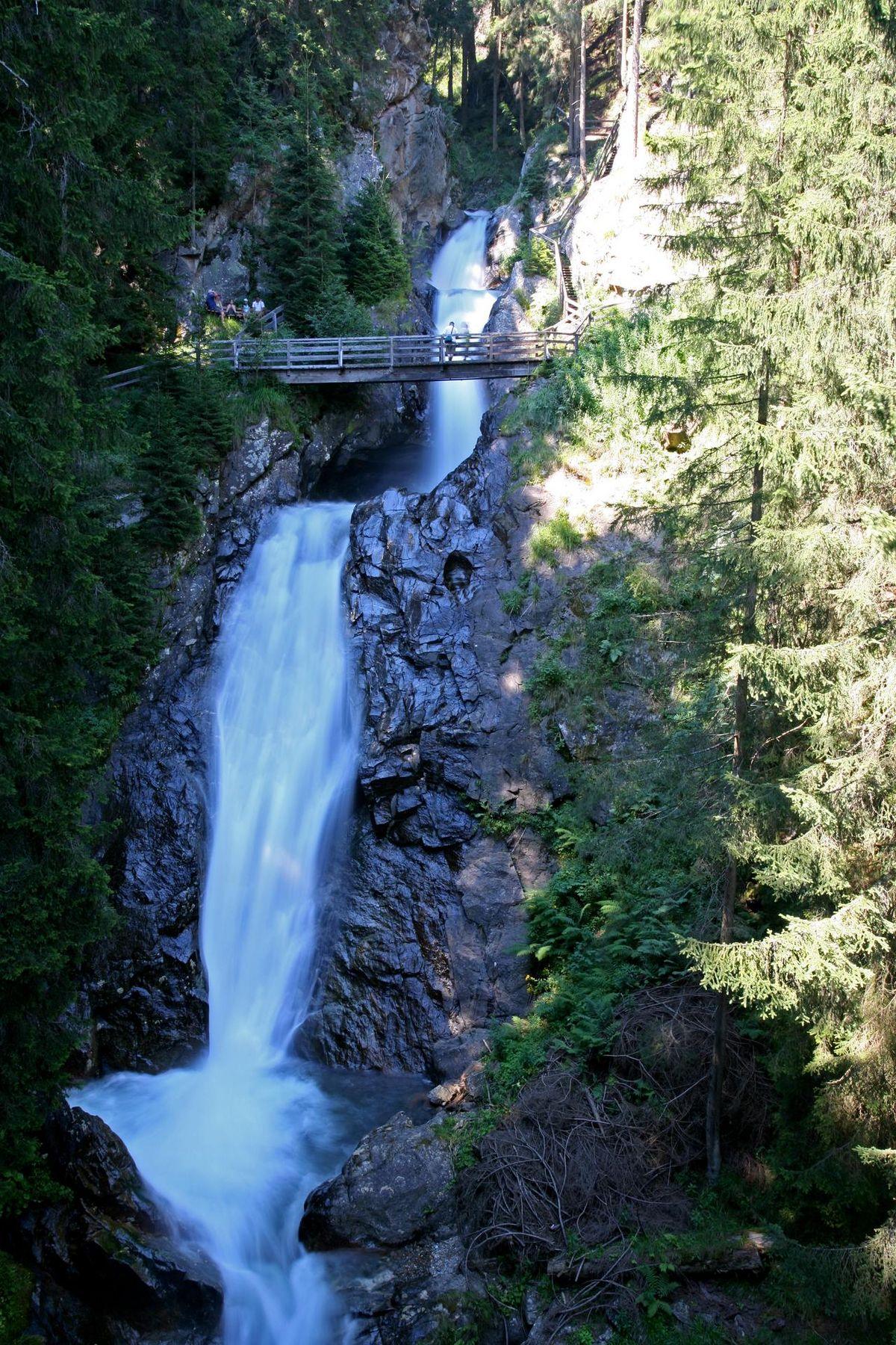 Gunster Wasserfall Fa Lowa HerbertRaffalt