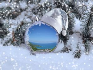 Weihnachten Kugel Meer iStock1056254846 web