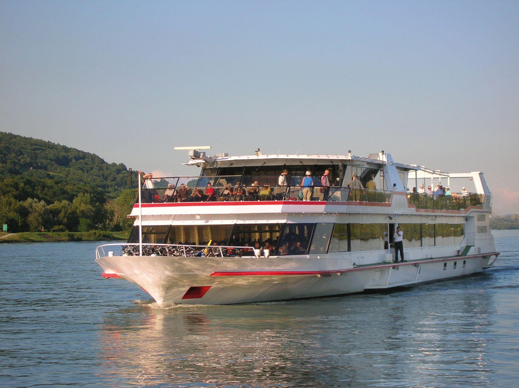 MS Kaiserin Elisabeth Aussenansicht c Donau Touristik